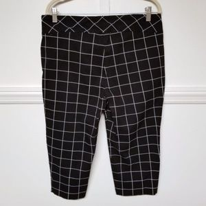 Roz & Ali Black and White Cropped Pants